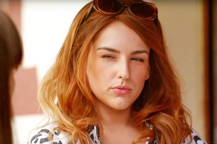Geraldine (Kéfera Buchmann) em cena do filme 'É Fada'
