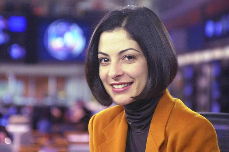 Ana Paula Padrão apresentando o Jornal da Globo, da Rede Globo - 2001