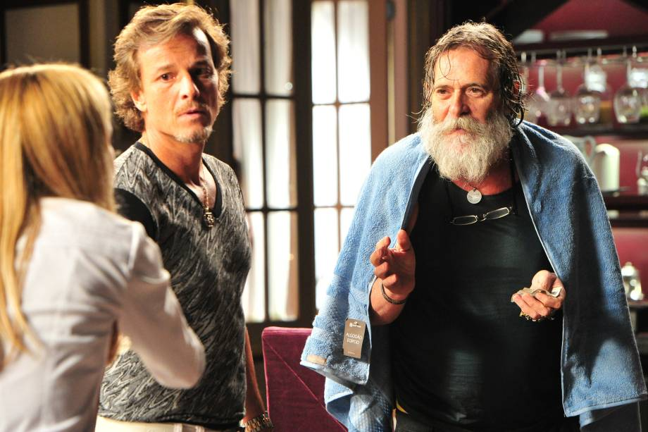 Marcello Novaes e José de Abreu na novela 'Avenida Brasil', da Rede Globo