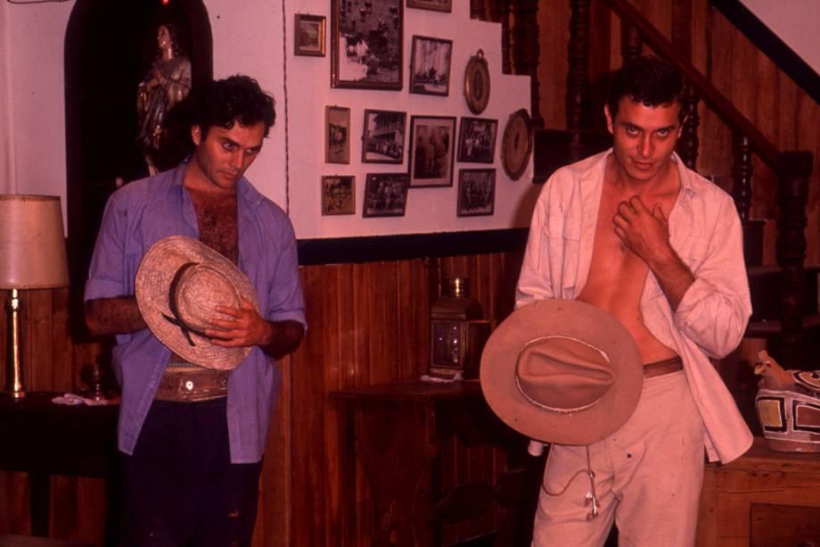 Almir Sater e Paulo Gorgulho na novela 'Pantanal', da Rede Manchete