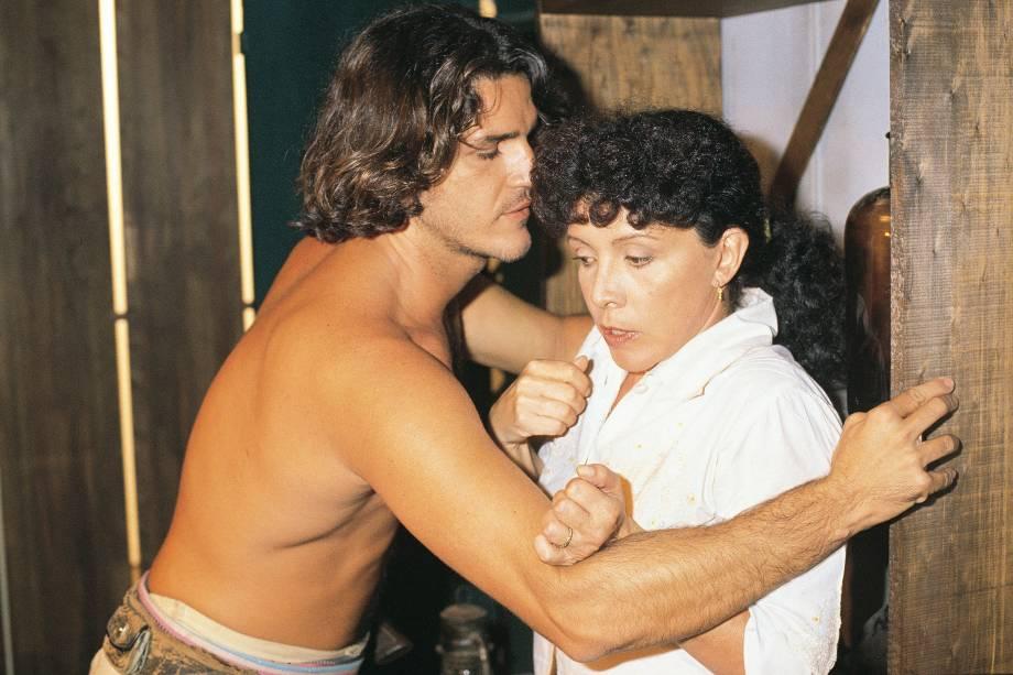 "Rômulo Arantes e Ângela Leal na novela ""Pantanal"", da Rede Manchete."