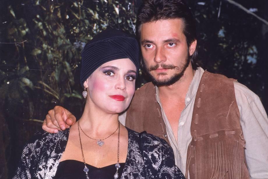 Regina Duarte e Fábio Júnior na novela 'Roque Santeiro', da Rede Globo