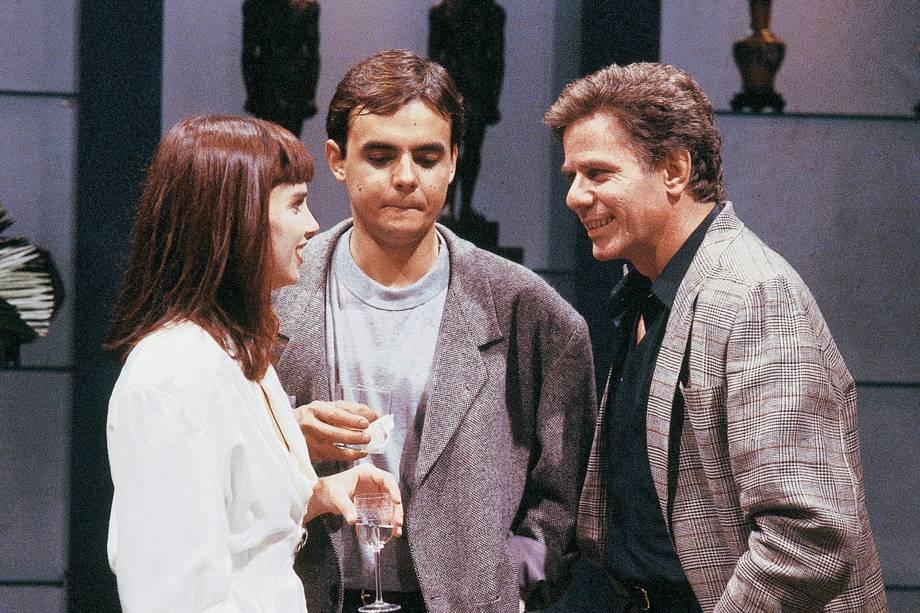"Lídia Brondi, Cássio Gabus Mendes e Reginaldo Faria na novela ""Vale Tudo"", da Rede Globo."