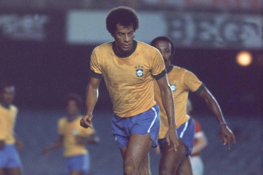 Carlos Alberto Torres, jogador da Seleção Brasileira de Futebol, em partida amistosa vencida por 2 X 0, contra a URSS no Maracanã - 1976
