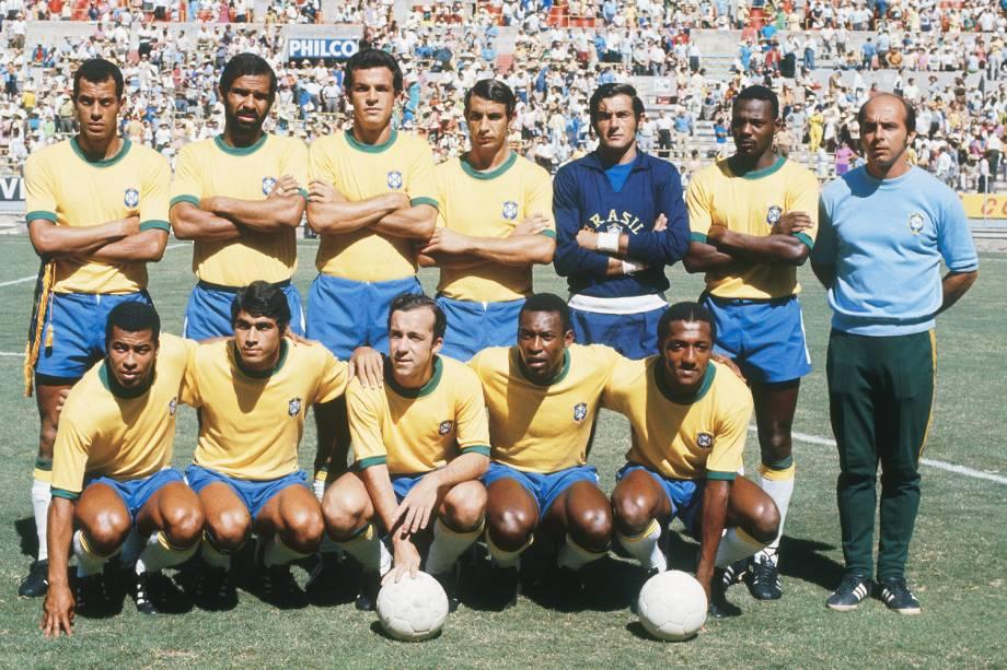 Equipe da seleção brasileira posada antes do jogo entre Brasil 3 x 2 Romênia, partida válida pela Copa do Mundo de Futebol, no estádio Jalisco, no México - 1970