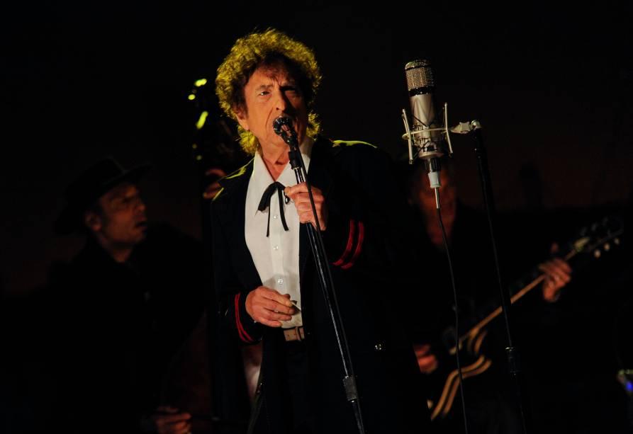 Bob Dylan durante apresentação  no programa de David Letterman em 2015