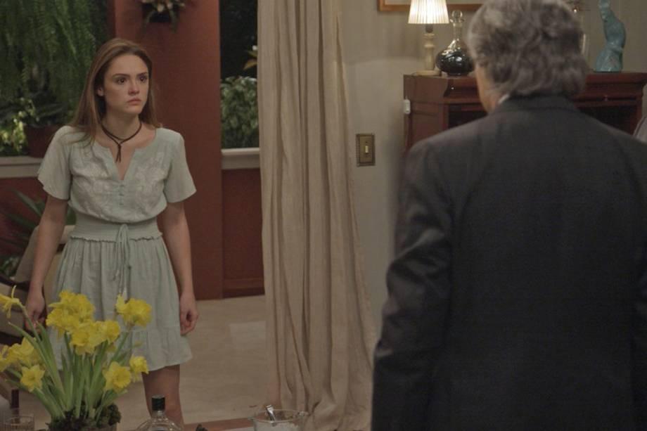 Helô (Isabelle Drummond) e Fausto (Tarcísio Meira) em 'A Lei do Amor'