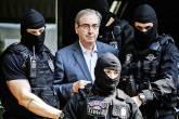 FIM DA LINHA - Eduardo Cunha: o ex-todo-poderoso presidente da Câmara já passou a dormir em Curitiba