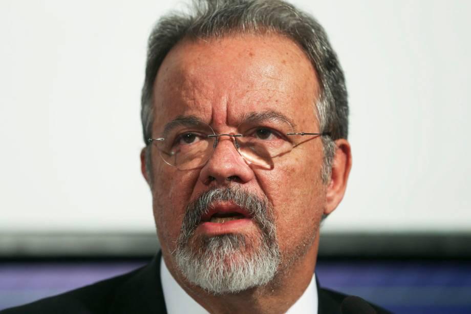 Ministro da Defesa, Raul Jungmann fala sobre as eleições 2016 em Brasília - 02-10-2016