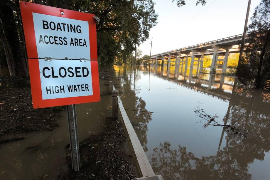 Passagem do furacão Matthew provoca inundação em Elizabethtown, Carolina do Norte (EUA) - 09/10/2016