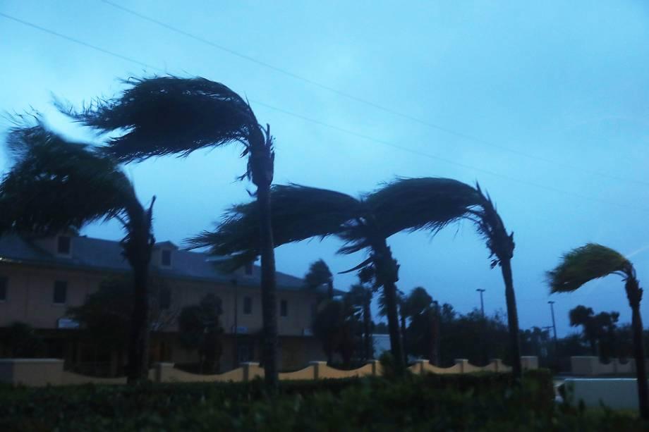 O furacão Matthew chega ao estado americano da Flórida - 07/10/2016
