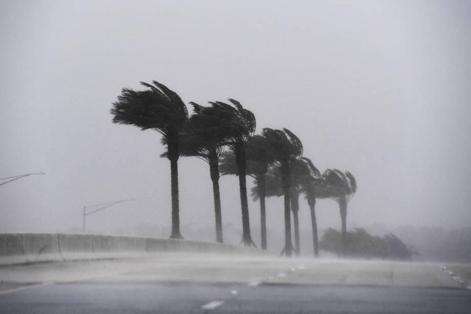 O furacão Matthew chega à região de Atlantic Beach, no estado americano da Flórida (EUA) - 07/10/2016
