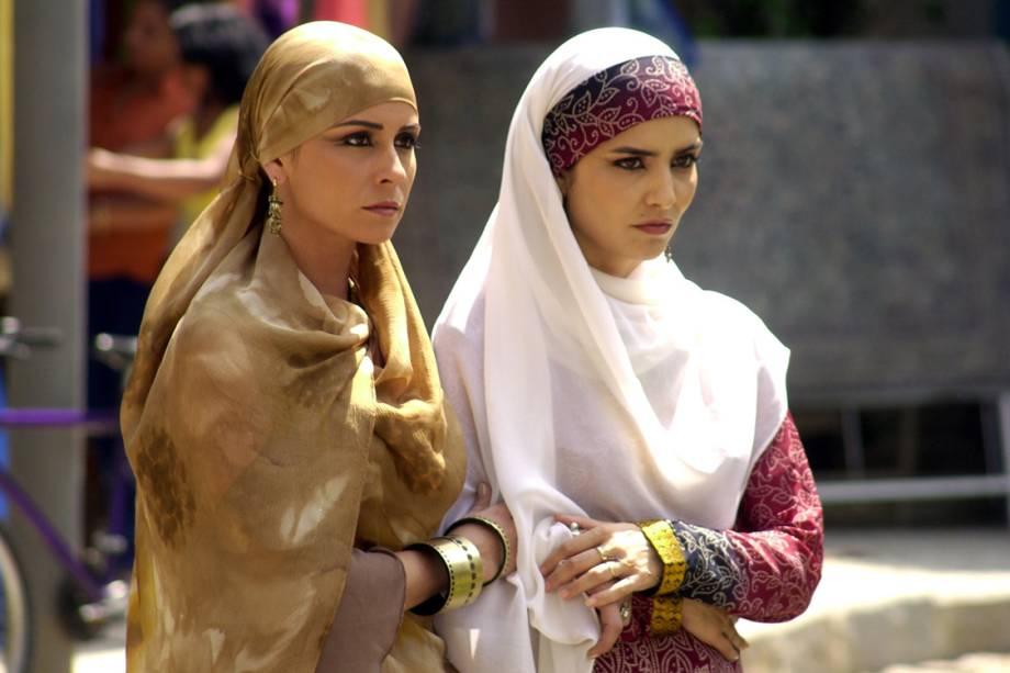 Leticia Sabatella e Giovanna Antonelli na novela 'O Clone'