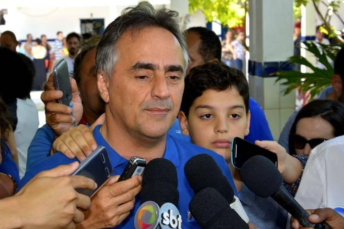 Luciano Catarxo em coletiva de imprensa