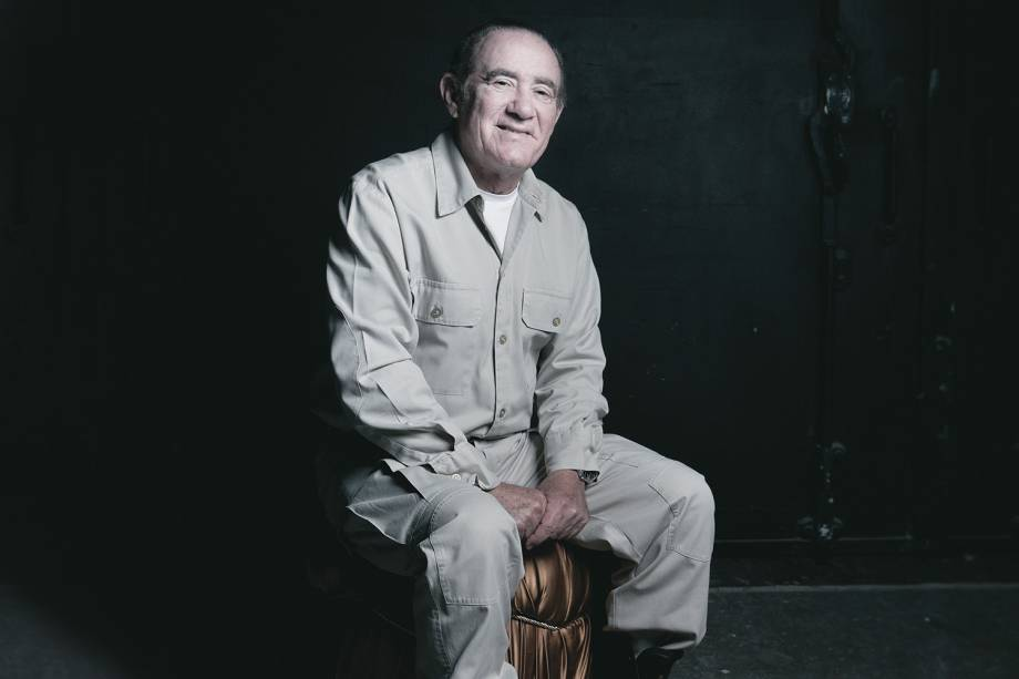 Renato Aragão durante entrevista para a revista Lola