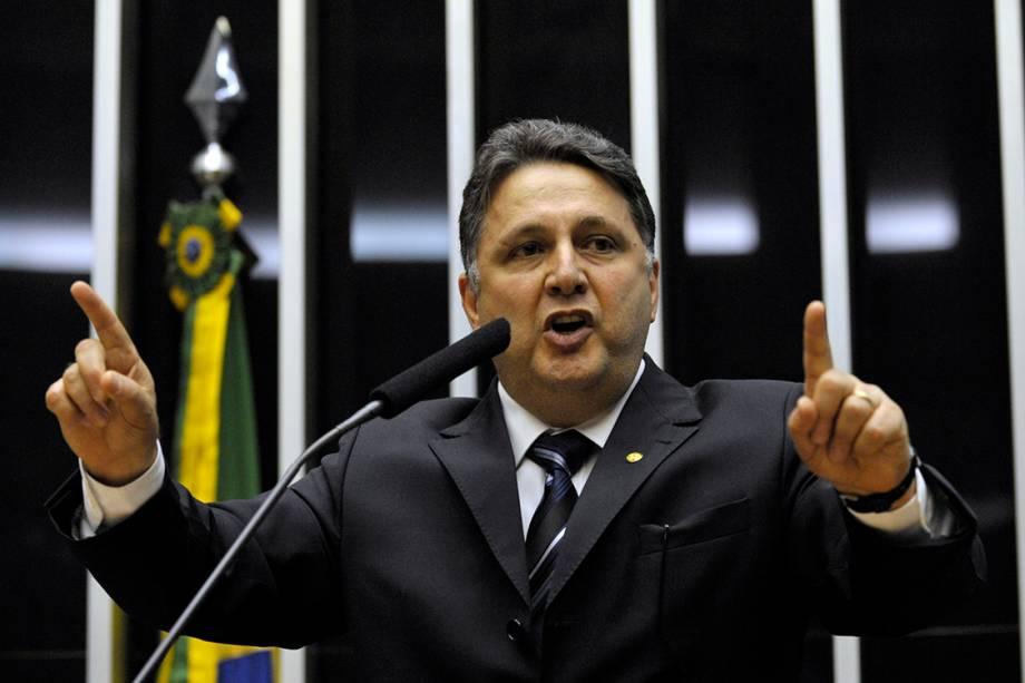 Deputado Anthony Garotinho durante sessão na Câmara dos Deputados