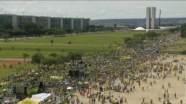 12 Brasília aérea