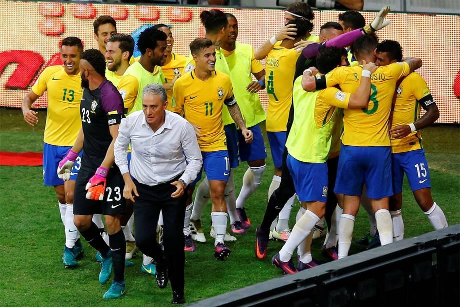Tite da Seleção Brasileira durante partida contra a Seleção da Argentina em jogo válido pelas Eliminatórias da Copa do Mundo, no Estádio Governador Magalhães Pinto, o Mineirão, em Belo Horizonte - 10/11/2016