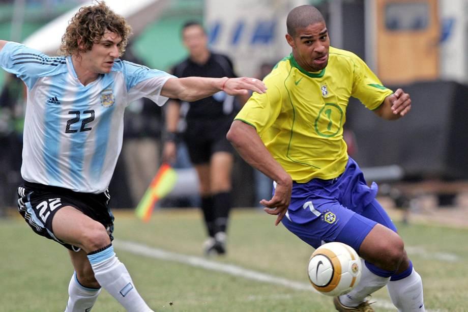 Brasil e Argentina durante a Copa America 2004