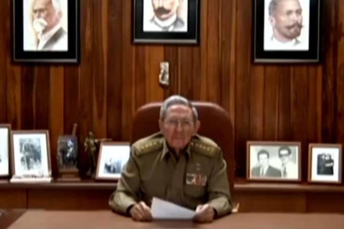 Raúl Castro anuncia a morte do irmão Fidel