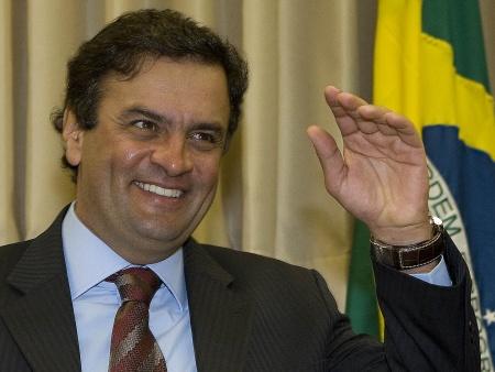 Aécio, pré-candidato do PSDB à Presidência:  descobrindo os difamadores
