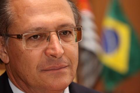 """Governador Geraldo Alckmin sobre """"exportação"""" de haitianos: """"É preciso ter responsabilidade"""""""