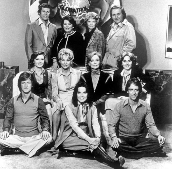 Elenco de 'All That Glitters', de 1977 (Foto: Sony Pictures TV/Arquivo)