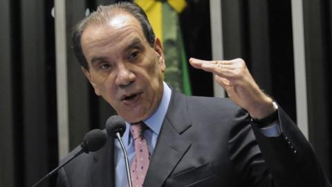 Aloysio Nunes: Ele tem um projeto sensato para regulamentar greve de servidores
