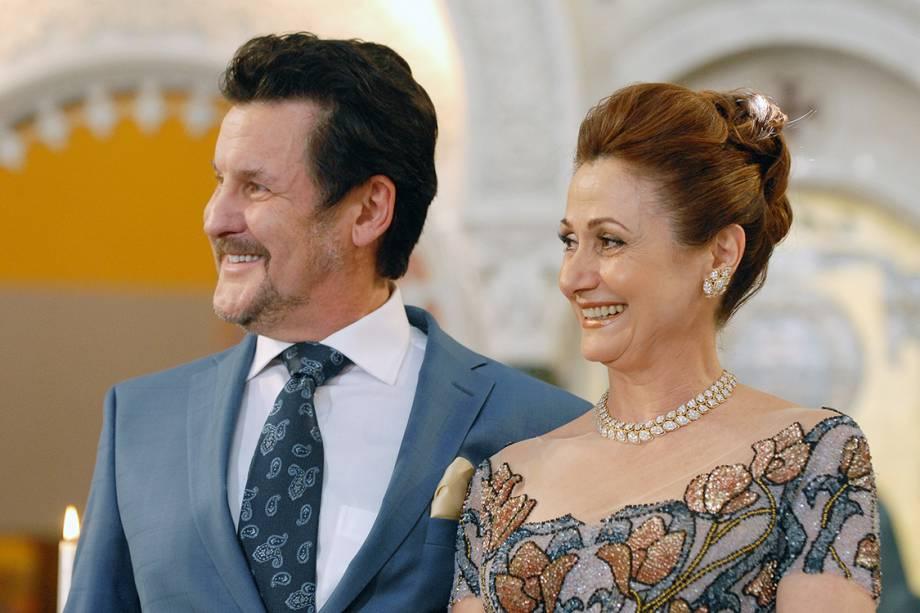 Os atores Antonio Calloni e Zezé Polessa na novela 'Salve Jorge'