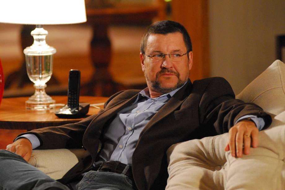 O ator Antonio Calloni na novela 'Escrito Nas Estrelas'