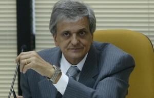Antonio Fernando: dublê de ex-PGR e advogado