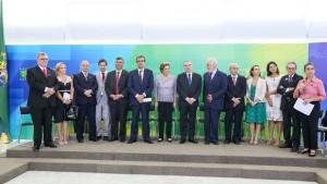 Apoio de juristas a Dilma
