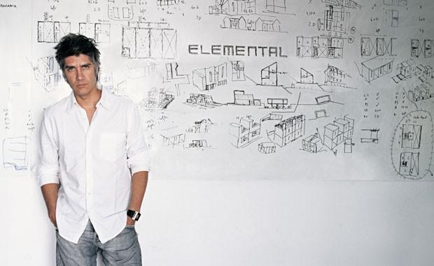 O arquiteto chileno Alejandro Aravena, vencedor do Pritzker deste ano