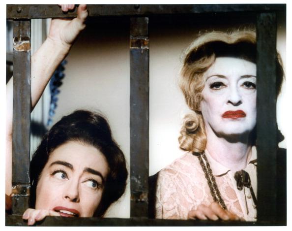 (E-D) Joan Crawford e Bette Davis em 'O que Aconteceu a Baby Jane?' (Foto:Warner Brothers/Arquivo)