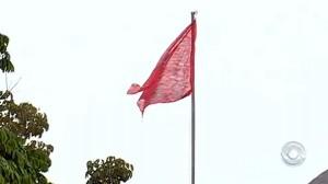 bandeira-vermelha-UFSC-size-598