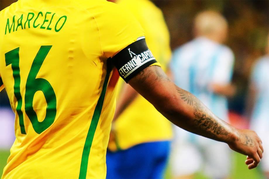 Jogadores da Seleção Brasileira usaram uma faixa em homenagem a Carlos Alberto Torres durante Brasil x Argentina, partida válida pelas eliminatórias da Copa do Mundo 2018, no Estádio Mineirão, Belo Horizonte, MG - 10/11/2016