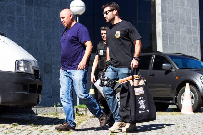 Chegada de malotes da 36ª fase da Operação Lava Jato, na Polícia Federal de São Paulo (SP) - 10/11/2016