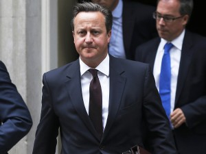 Susto do establishment: Cameron corre atrás do prejuízo