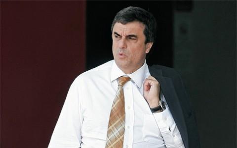 José Eduardo Cardozo: já passou da hora de este senhor pegar o paletó e se mandar