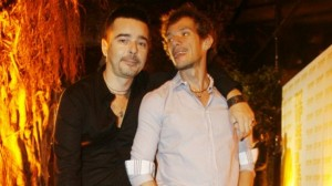 Estilista e o companheiro Andre Piva