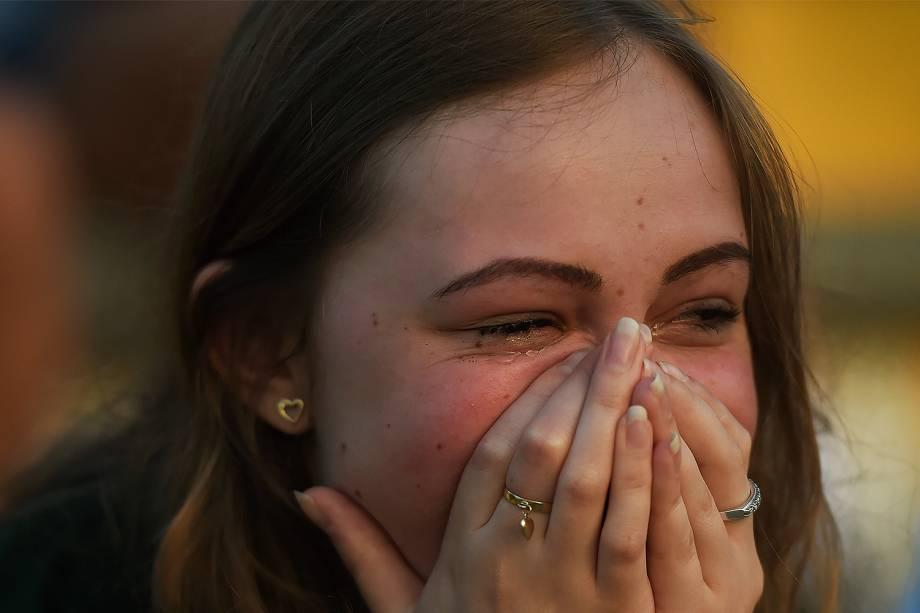 Torcedores da Chapecoense lamentam tragédia com avião que transportava a delegação da equipe