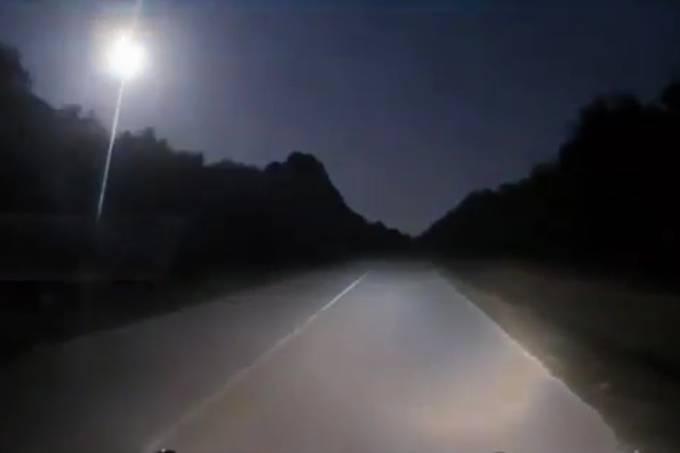 'Bola de fogo' é registrada no céu da Flórida nos Estados Unidos