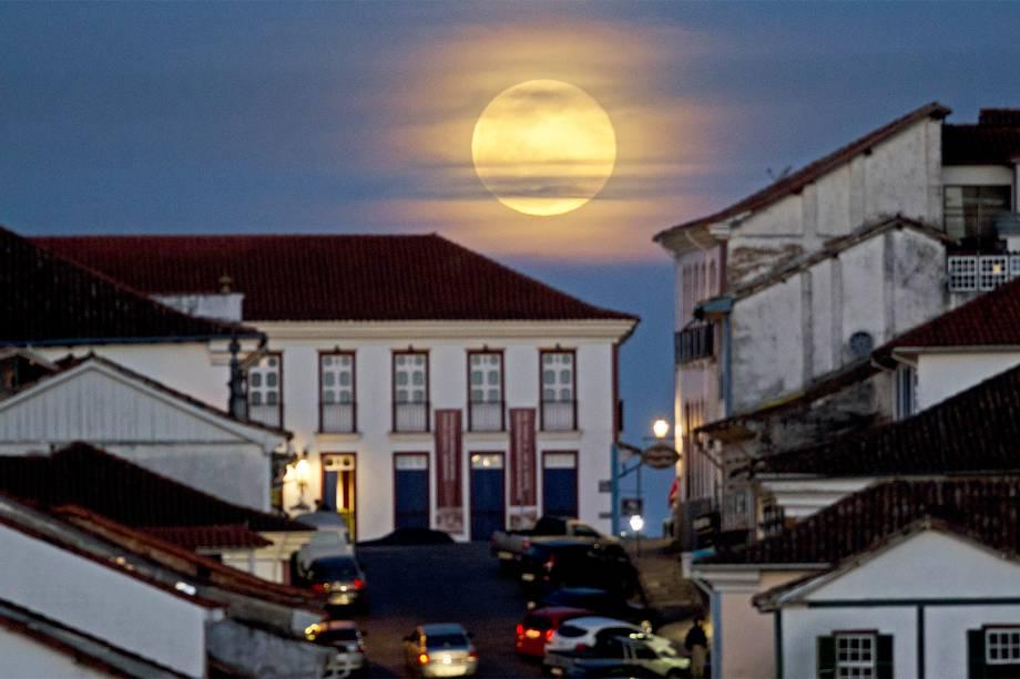 Vista da Superlua em Ouro Preto (MG) - 10/08/2014