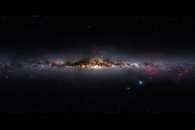 Foto panorâmica da Via Láctea