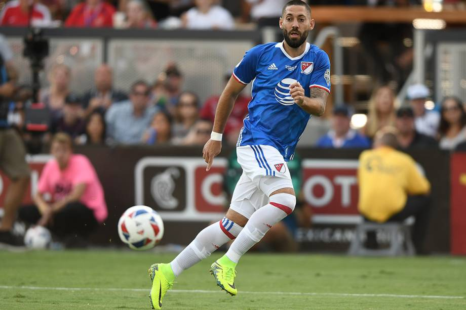 <!-- [if gte mso 9]><xml>  <o:OfficeDocumentSettings>   <o:AllowPNG/>  </o:OfficeDocumentSettings> </xml><![endif]-->9º lugar: Clint Dempsey (Seattle Sounders): 4,6 milhões de dólares anuais