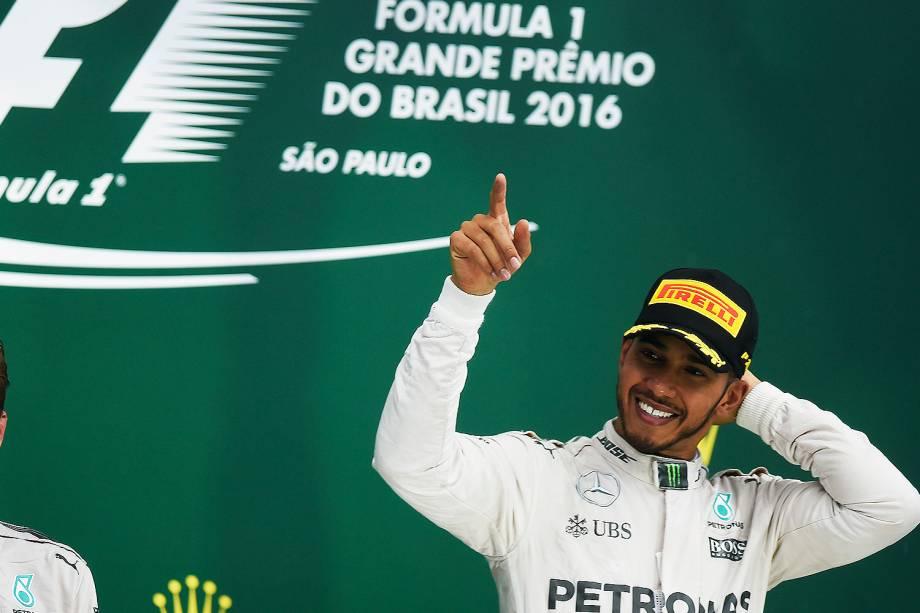 O piloto britânico Lewis Hamilton vence o Grande Prêmio do Brasil de Fórmula 1, realizado no Autódromo de Interlagos - 13/11/2016
