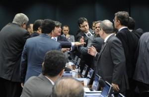 deputados-discutem-durante-sessao-do-conselho-de-etica-original