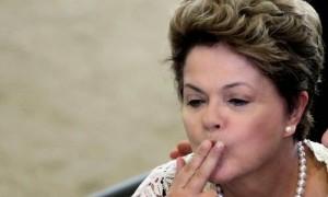 Dilma-beijiinho