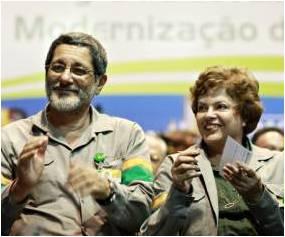 A então ministra Dilma com Gabrielli: se ela achou compra errada, por que não fez nada?