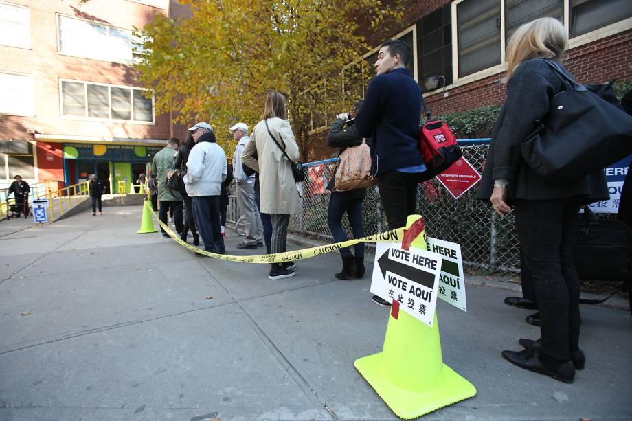 Nova-iorquinos votando no bairro de Chelsea em Manhattan - 08/11/2016